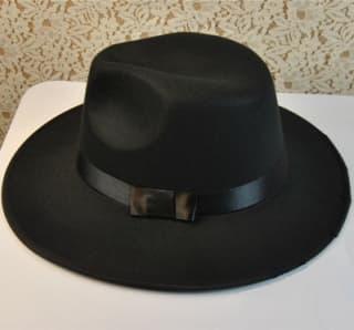 Шляпа черная с широкими полями