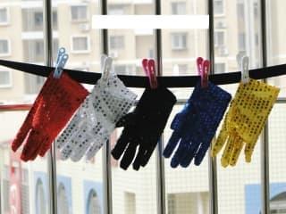Перчатки эстрадные блестящие с пайетками