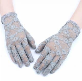 Перчатки ажурные гипюровые серые